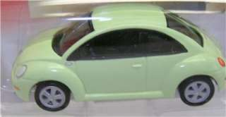 2001 VOLKSWAGEN BEETLE JOHNNY LIGHTNING DIECAST 164