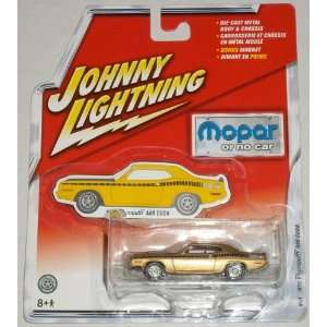 JOHNNY WHITE LIGHTNING MOPAR OR NO CAR PLYMOUTH FURY Toys