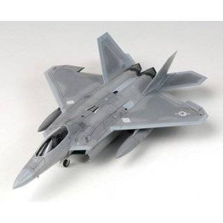 F 22 Raptor   1/48 scale model Toys & Games