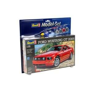 07355 125 Ford Mustang 2005 Model Kit Gift Set Toys & Games