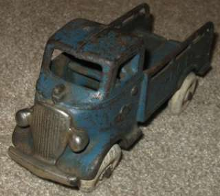 AWESOME ANTIQUE CAST IRON ARCADE TOY MACK TRUCK