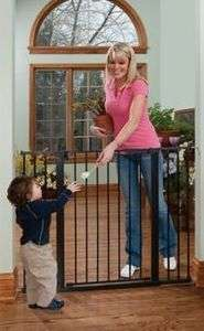 Tall & Wide Auto Close Gateway   Black Metal Baby Gate W/ Hold